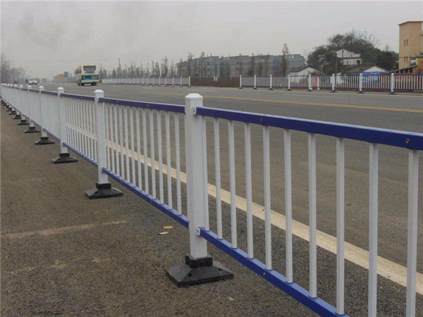 常规市政道路护栏,常规市政道路护栏厂家,市政道路护栏案例